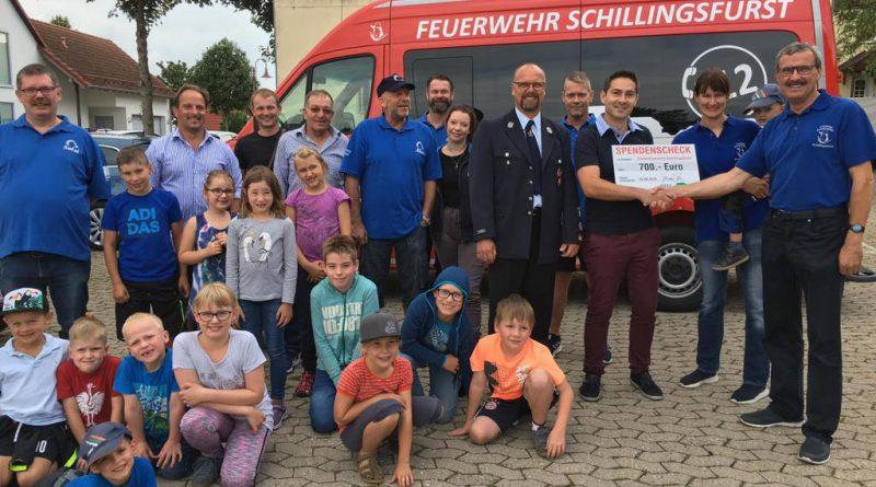 """""""Derblecken am Schlossberg""""-Veranstalter """"CSU – Ortsverband Schillingsfürst"""" übergab Spende an Kinderfeuerwehr"""