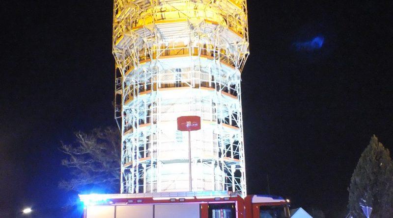 Übung am Wasserturm von Schillingsfürst mit der Höhenrettungsgruppe Ansbach